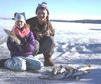 Leech lake ice fishing fish house rentals rent ice for Leech lake ice fishing